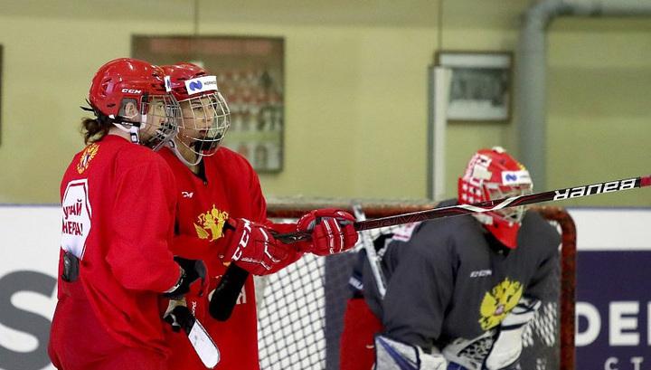 Российские хоккеистки вышли в полуфинал чемпионата мира