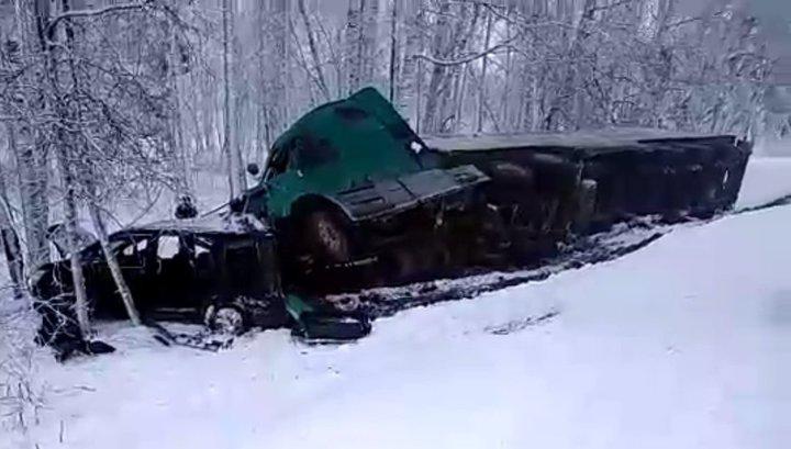 Три человека погибли в ДТП на заснеженной дороге под Томском