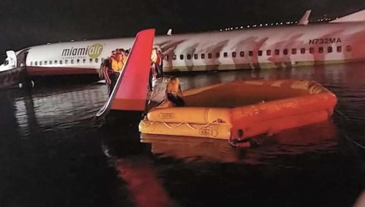 Boeing поможет в расследовании инцидента с самолетом, скатившимся в реку