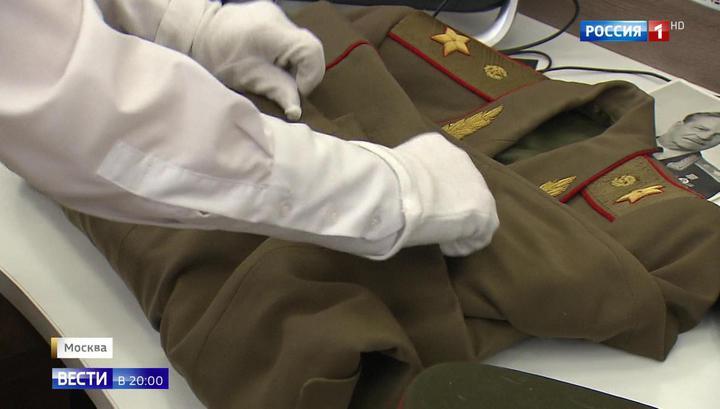 Семья генерала Тюленева передала в музей его мундир