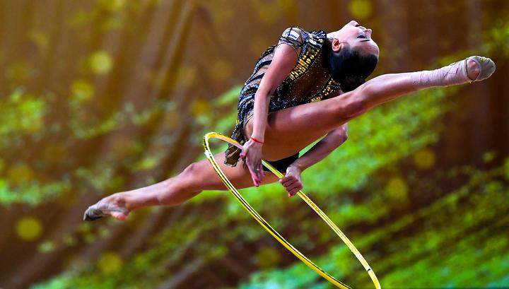 Дина Аверина вышла в финал в упражнениях с обручем