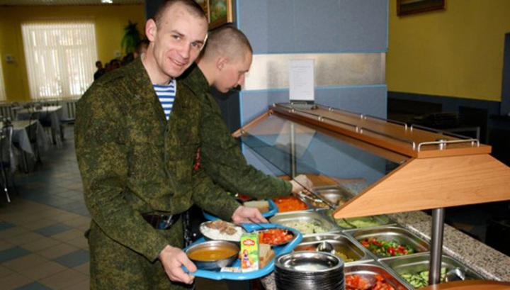 Каждый день новые блюда. Российские военные рассказали о своем рационе