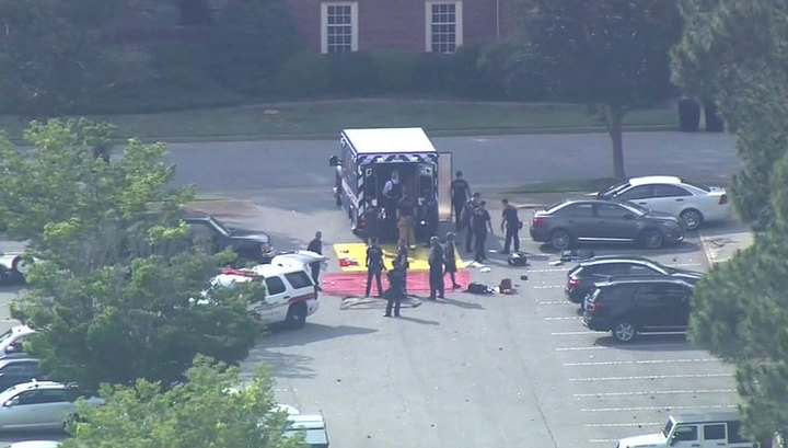 Число жертв трагедии в Вирджиния-Бич увеличилось до 12 человек