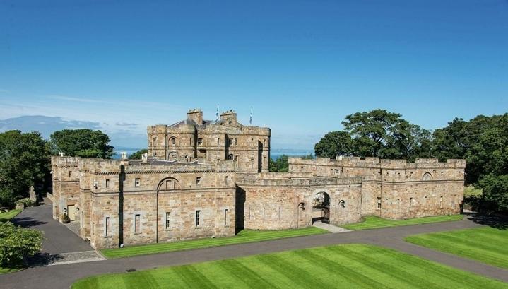 В Шотландии продается замок XVIII века