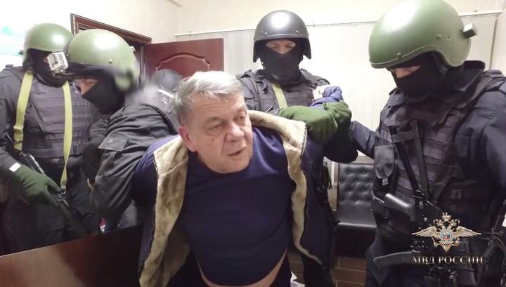 Пять миллиардов на кону: задержание отставного генерала, заказавшего невестке киллера, сняли на видео