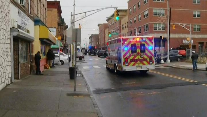 Перестрелка в США, бандиты забаррикадировались в здании
