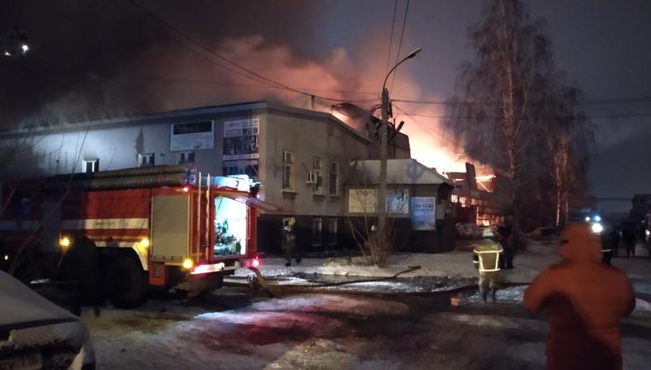 В Казани потушен пожар на складе мебельной фабрики