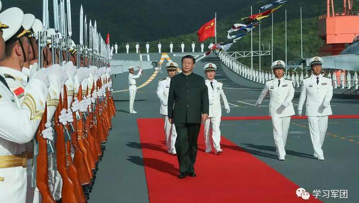 Китайский флот получил первый отечественный авианосец