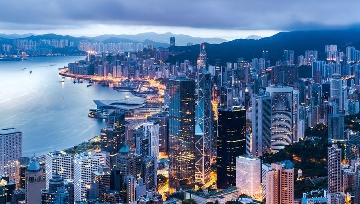 Город небоскребов и миллиардеров: что купить в Гонконге по цене двушки в Москве