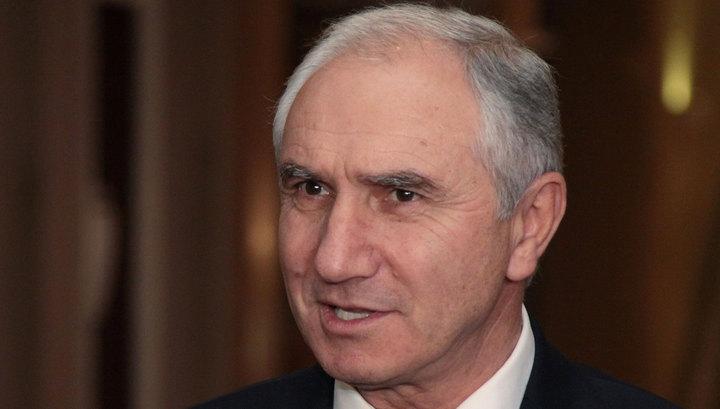 Временный президент Абхазии приступил к своим обязанностям