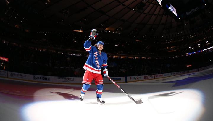 Артемий Панарин признан первой звездой дня в НХЛ