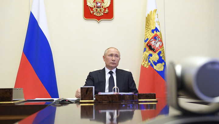 Путин: борьба с коронавирусом - не повод ослаблять внимание к другим угрозам