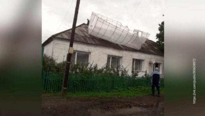 На Омскую область обрушился мощный ураган