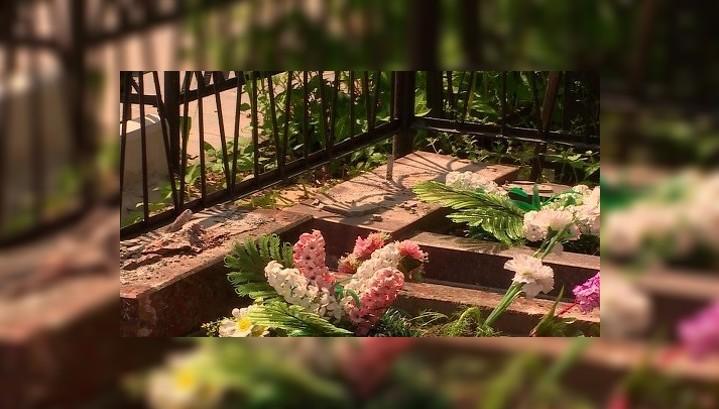 Следком установил: 26 надгробий на калужском кладбище разгромил подросток