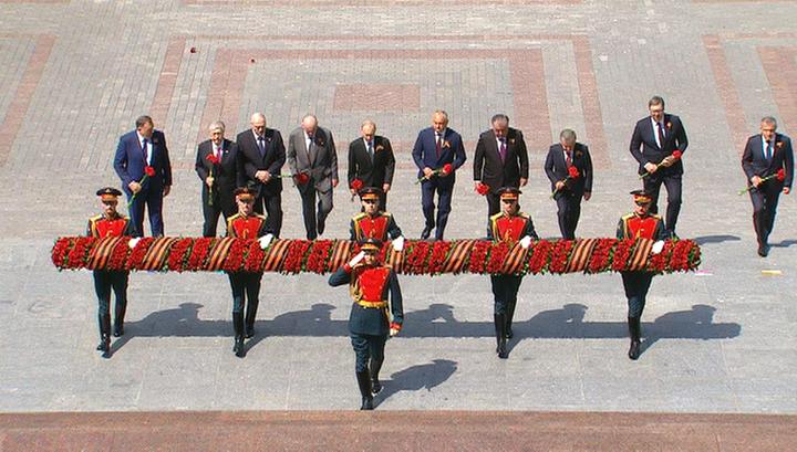 После Парада Победы президент возложил цветы к Вечному огню