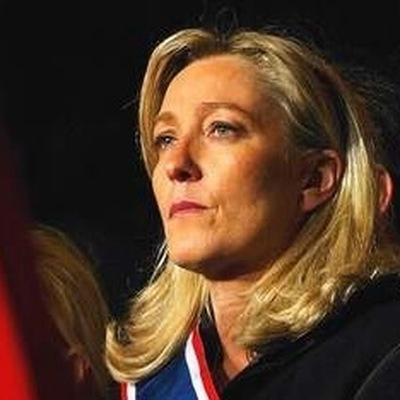 Фийон и Ле Пен отменили все предвыборные поездки после стрельбы в Париже
