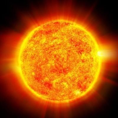 Мощнейшая за три года вспышка произошла накануне на Солнце