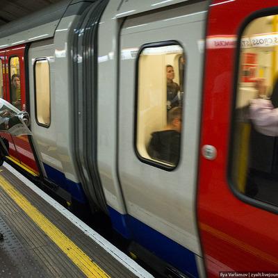 В лондонском метро произошло возгорание поезда