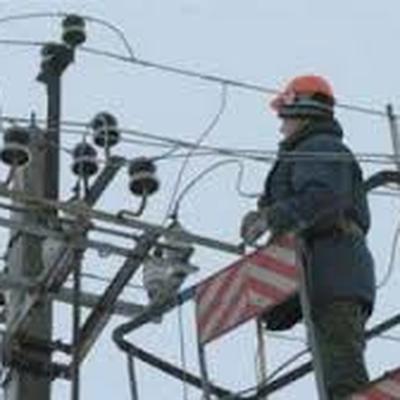 Ремонтники подключили к энергоснабжению более ста населенных пунктов Крыма