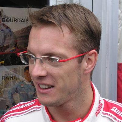 Попавший в аварию в IndyCar Себастьен Бурдэ заявил, что хорошо себя чувствует после операции