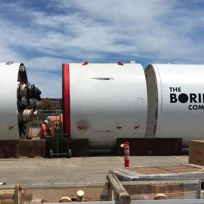 Буровая установка Илона Маска прорыла первую часть туннеля под Лос-Анджелесом
