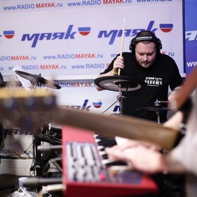 Живой концерт у Сергея Стиллавина и его друзей. Группа Yuppies. 1