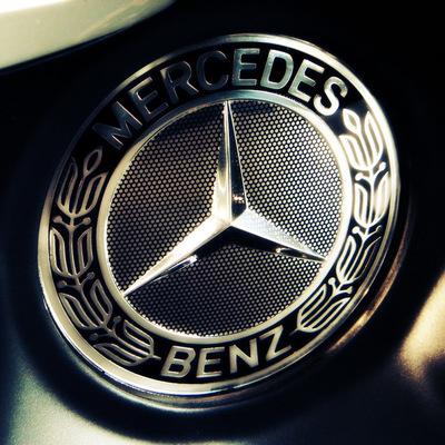 Mercedes отзывает в РФ почти 1500 авто из-за проблем с подушками безопасности