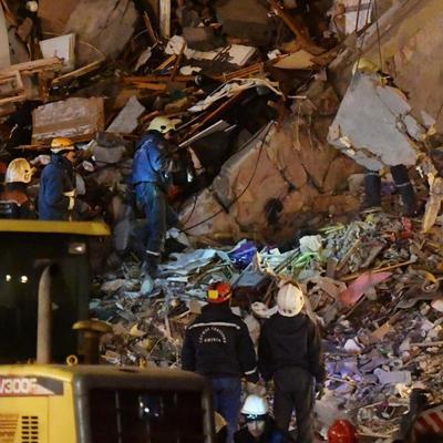 На месте обрушения дома в центре Антверпена экстренные службы продолжают поиски двух человек