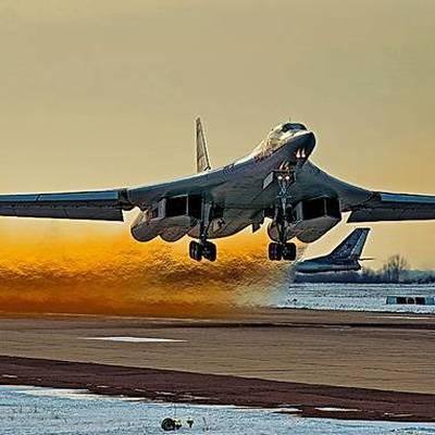 Стратегические ракетоносцы Ту-160 вернулись в Россию после визита в Венесуэлу
