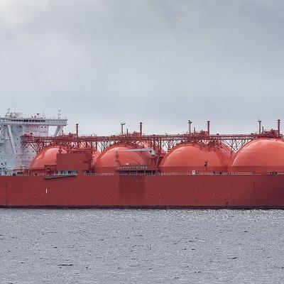 США призывают все страны запретить заходы в порты иранских танкеров с нефтью