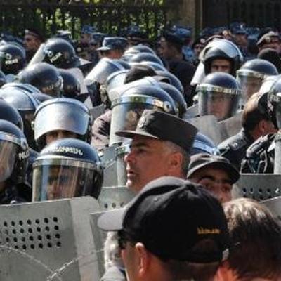 В Ереване задержаны оппозиционеры, ворвавшиеся в здание Общественного радио