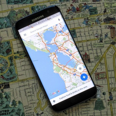 Google Maps начал отображать Крымский мост на карте, но не прокладывает через него мартшрут