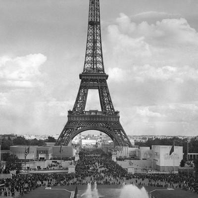 Центр Парижа взят под контроль полиции