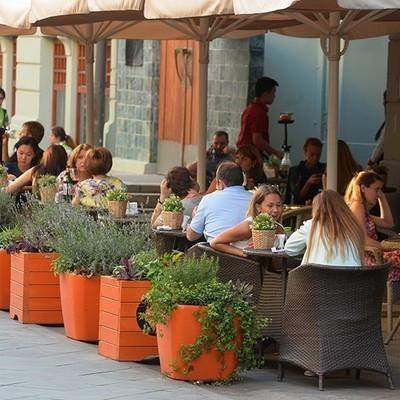 Власти Москвы попросили владельцев ресторанов и кафе закрыть летние веранды