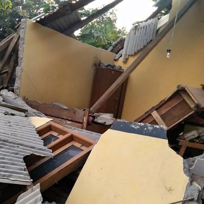 Землетрясение магнитудой 6,9 произошло на густонаселенном индонезийском острове Ломбок