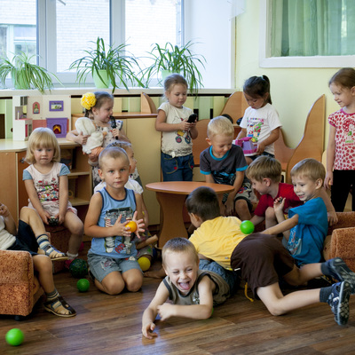 Девочка с деформацией черепа может быть устроена в детский сад
