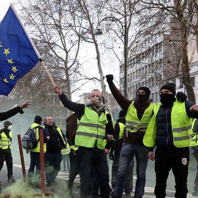 Представители «желтых жилетов»встретятся этим вечером с премьер-министром Франции