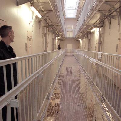 Проблема нехватки мест в британских тюрьмах решит смягчение приговоров по мелким правонарушениям