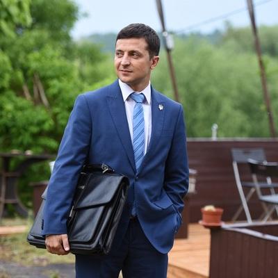 Зеленский намерен отдать резиденции главы государства детям