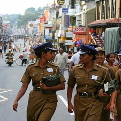 На Шри-Ланке введен режим чрезвычайного положения