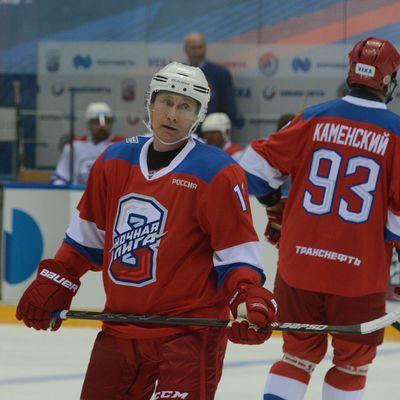 Путин поздравил спортсменов с Днем физкультурника