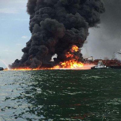 Нефтяные танкеры атакованы в Оманском заливе