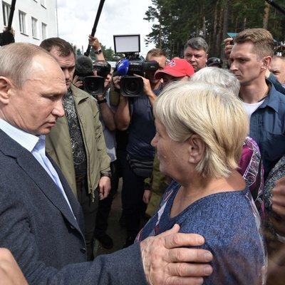Жители Тулуна пожаловались Путину на неразбериху после наводнения