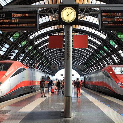 Отмена поездов на линии Милан-Неаполь вызвала панику среди туристов