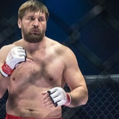 Виталий Минаков одержал победу на турнире Bellator 225