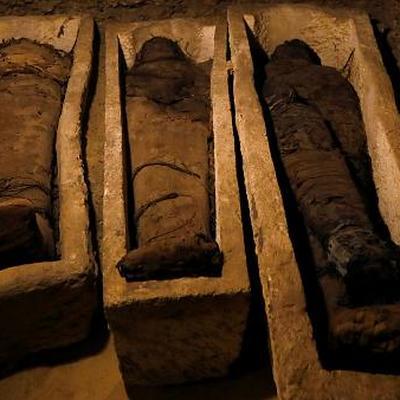 Тридцать саркофагов с мумиями обнаружены на юге Египта