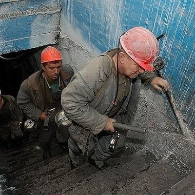 Шахта в Кузбассе, где погибли горняки, приостановила работу