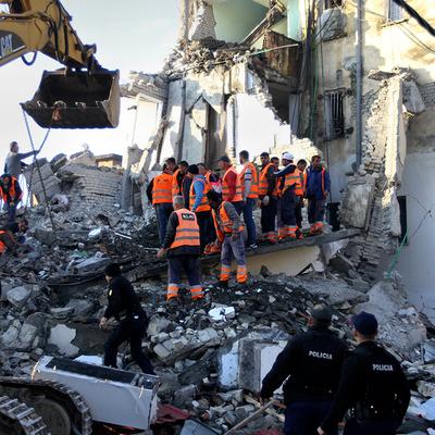 В Турции из-под завалов спасли не менее 39 человек после землетрясения