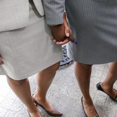 В Швейцарии сегодня проводят референдум по легализации однополых союзов