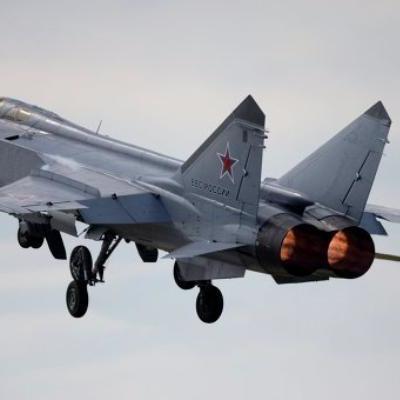 МИГ-31 не допустил нарушения границы американским самолетом-разведчиком